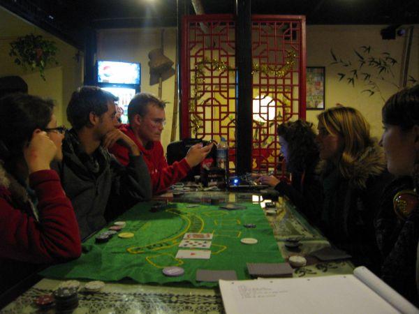 Pokeren met de Fransen in het hostel